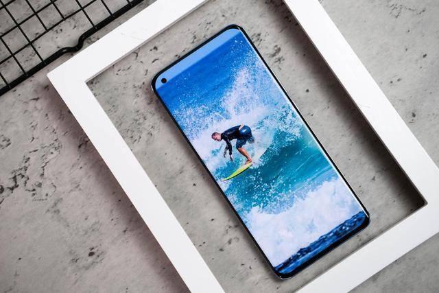 小米11会是IPhone12的对手吗?