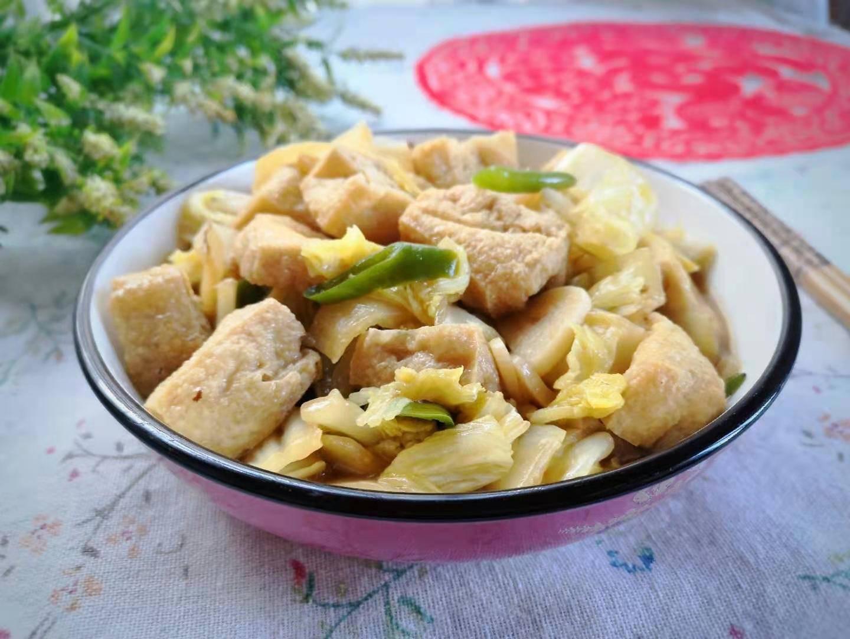 原来白菜是用它炒的。好吃又有营养。它宁愿吃它也不吃肉。很好吃