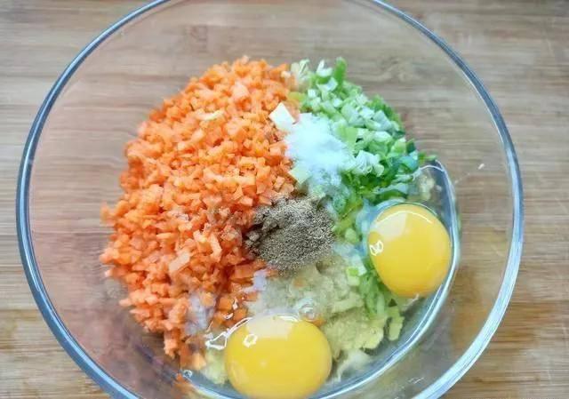 一根山药,2个鸡蛋,简单一做,比面包还香,再挑食的孩子也爱吃!