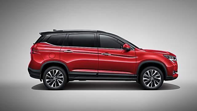 7万就能买到的SUV,轴距超两米七,16万公里开坏免费修