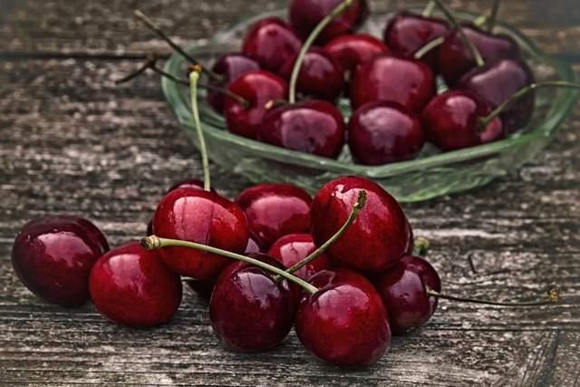 原厂樱桃价格减半,榴莲却贵。刚才榴莲怎么可能是免费的?