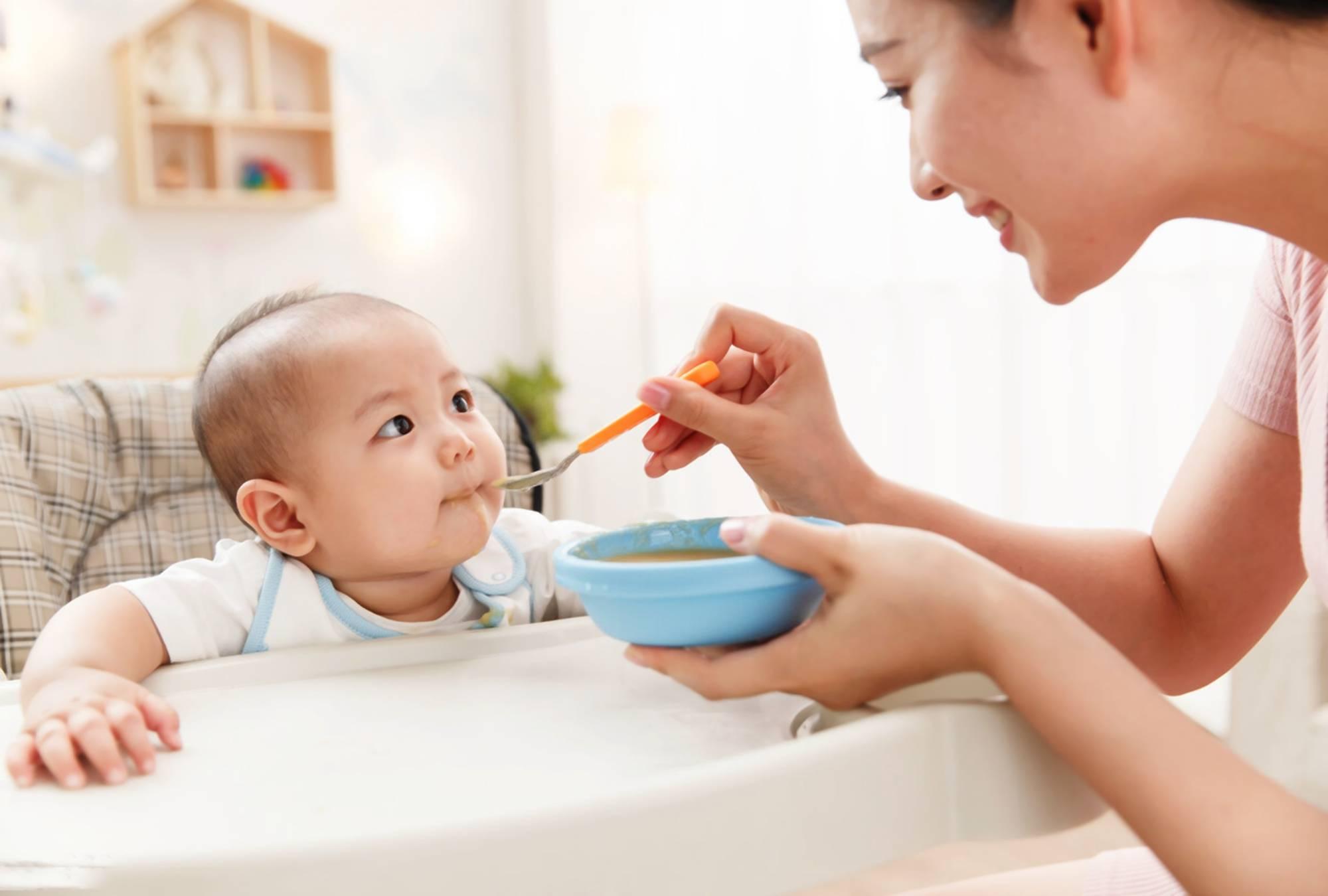 """有一种""""假""""辅食叫做米汤,看似有营养,实则影响宝宝发育  第1张"""