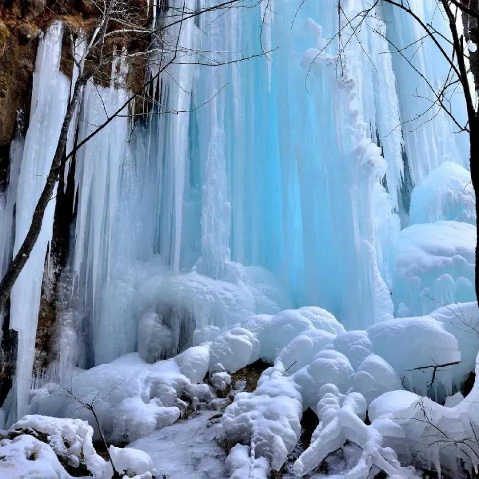 太震撼了!来阿坝州这5处世界级冰瀑,过一把北方冬天的瘾!