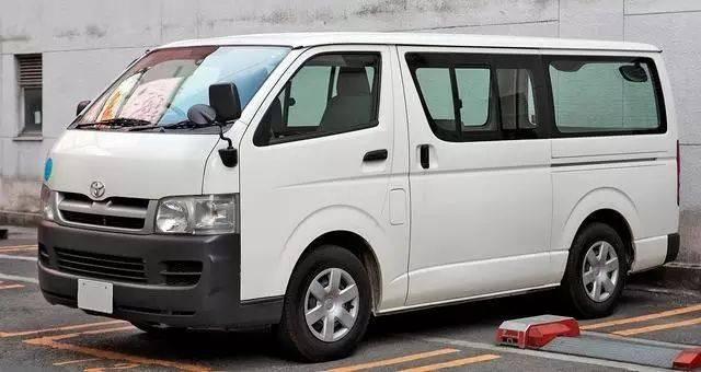 丰田原装全新MPV亮相,Buel Fada搭载双排航空座椅和3.5L V6发动机
