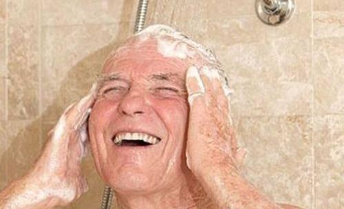 冬天几天洗一次澡比较好?洗太勤会生病?告诉你最科学的做法