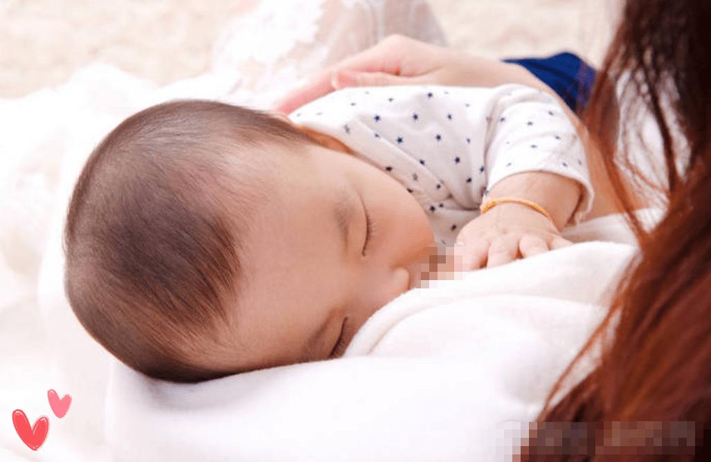 宝宝刚吃上母乳没多久就睡着了,没一会又醒来继续吃,是咋回事?  第2张