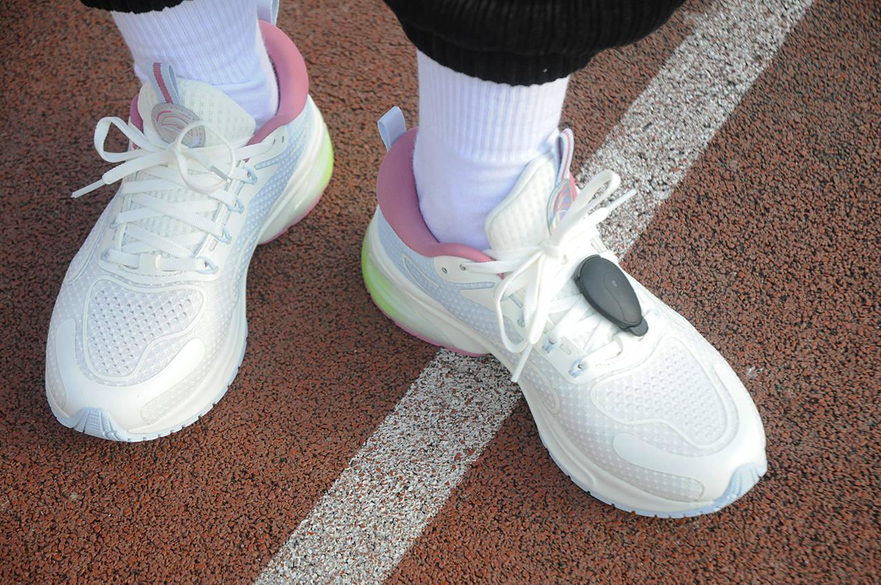 安踏x咕咚联名 穿的舒服跑的专业的大数据跑鞋体验