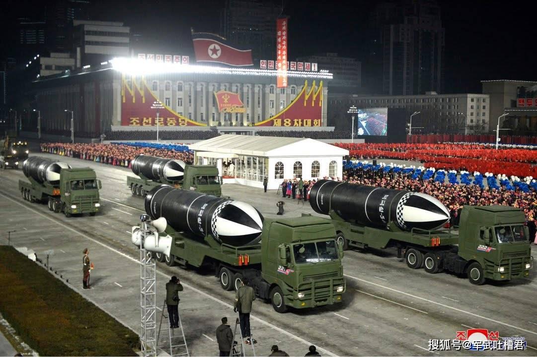 朝鲜阅兵潜射导弹再进化,首次出现整流罩,或已安装分导式核弹头