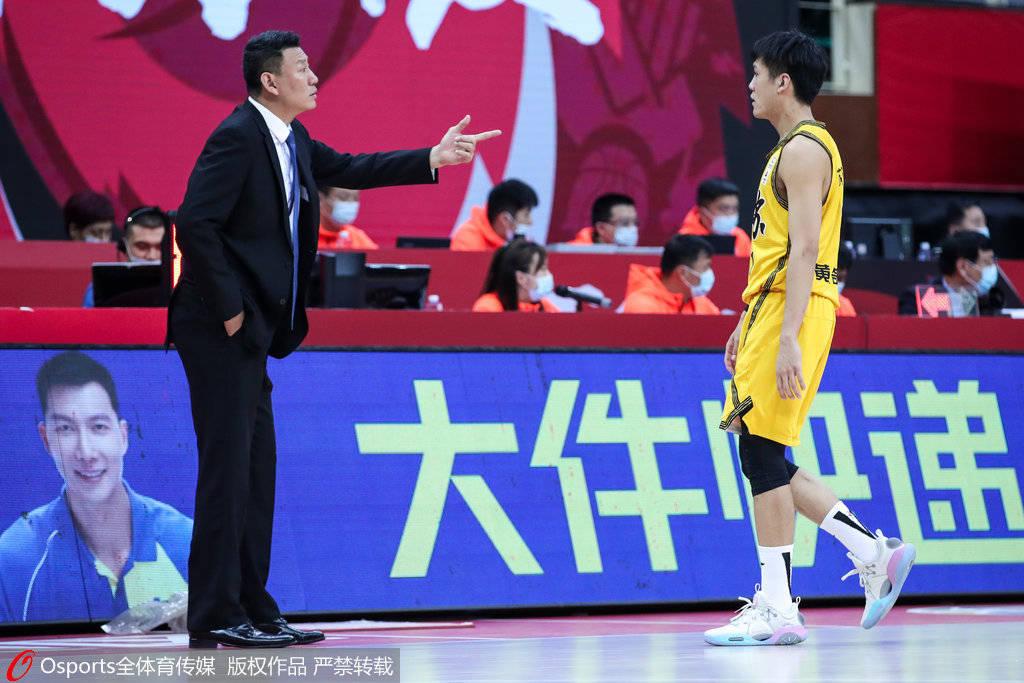江苏男篮以91-120不敌北京
