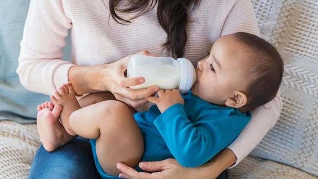 夜奶一晚要喂几次、什么时候可以断夜奶、怎么断更轻松?一文讲清
