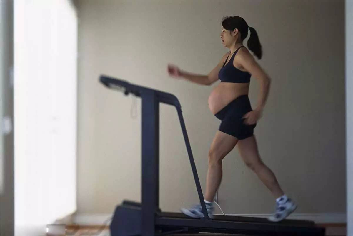 这三件事孕晚期做得越多,越可能提前破水宫缩,孕妈再想也得忍住