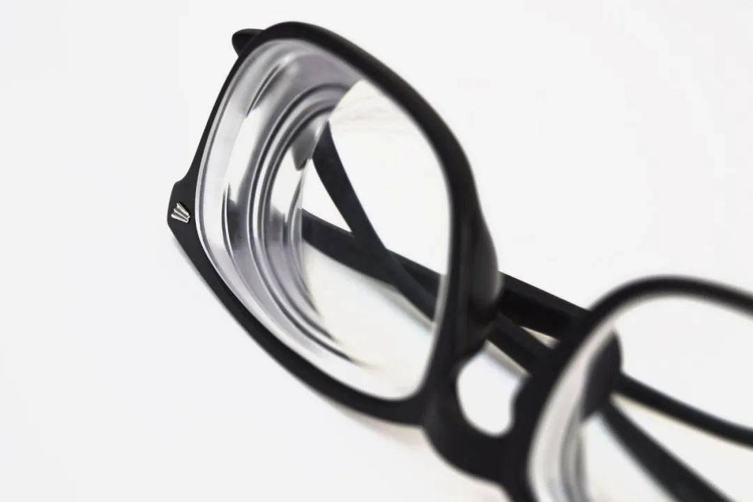 眼镜片的原理_蔡司成长乐眼镜片的原理优缺点 到底好不好