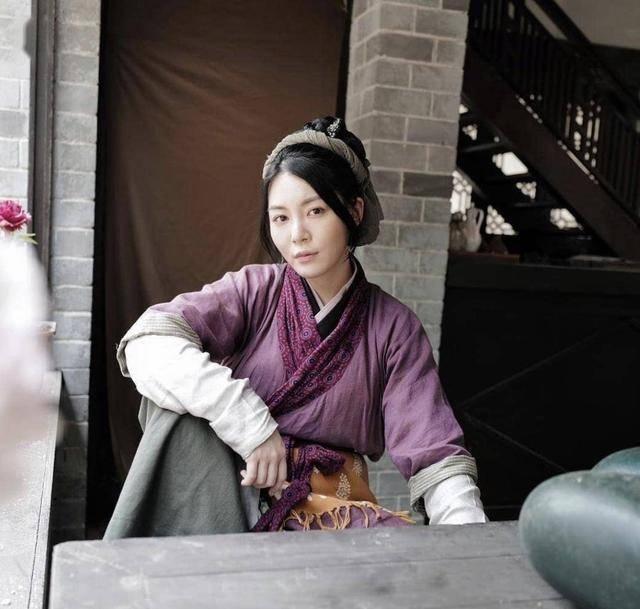 """「绿叶」曾经爆肥,直言应付不了配角TVB绿叶因演""""猪肉婆""""备受关注"""