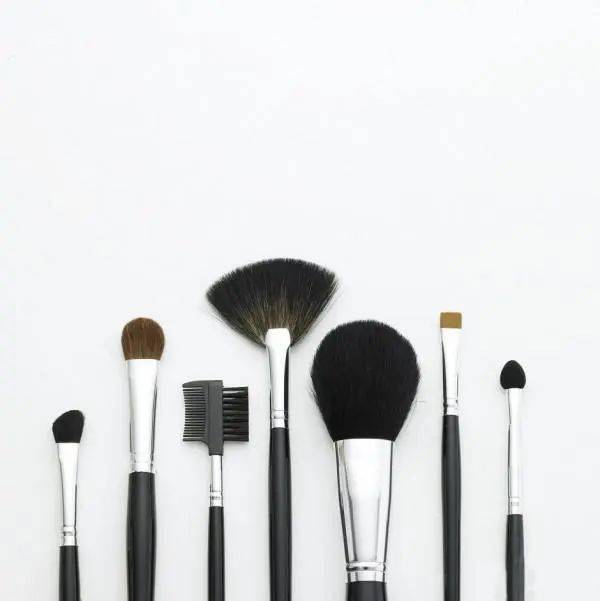 彩妆迷|80%的新手选化妆刷都是瞎选,我20年选刷子的经验都在这了