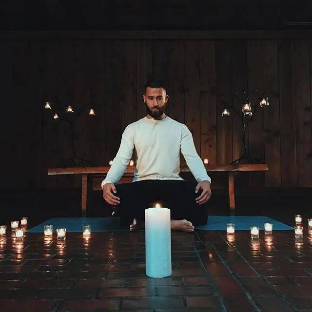 这一刻,我觉得男人瑜伽帅爆了!_Patrick