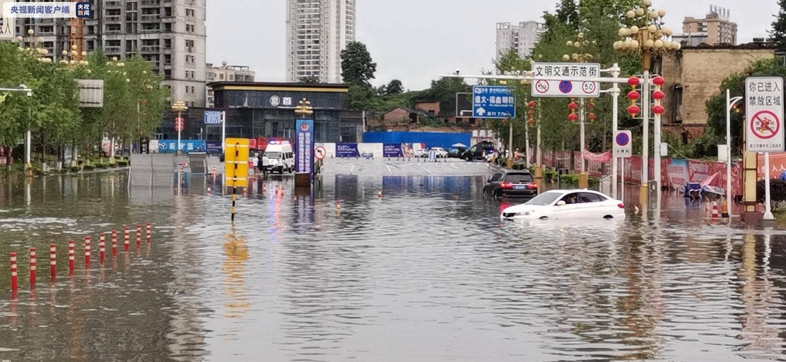 受强降雨影响 兰海高速贵州马家