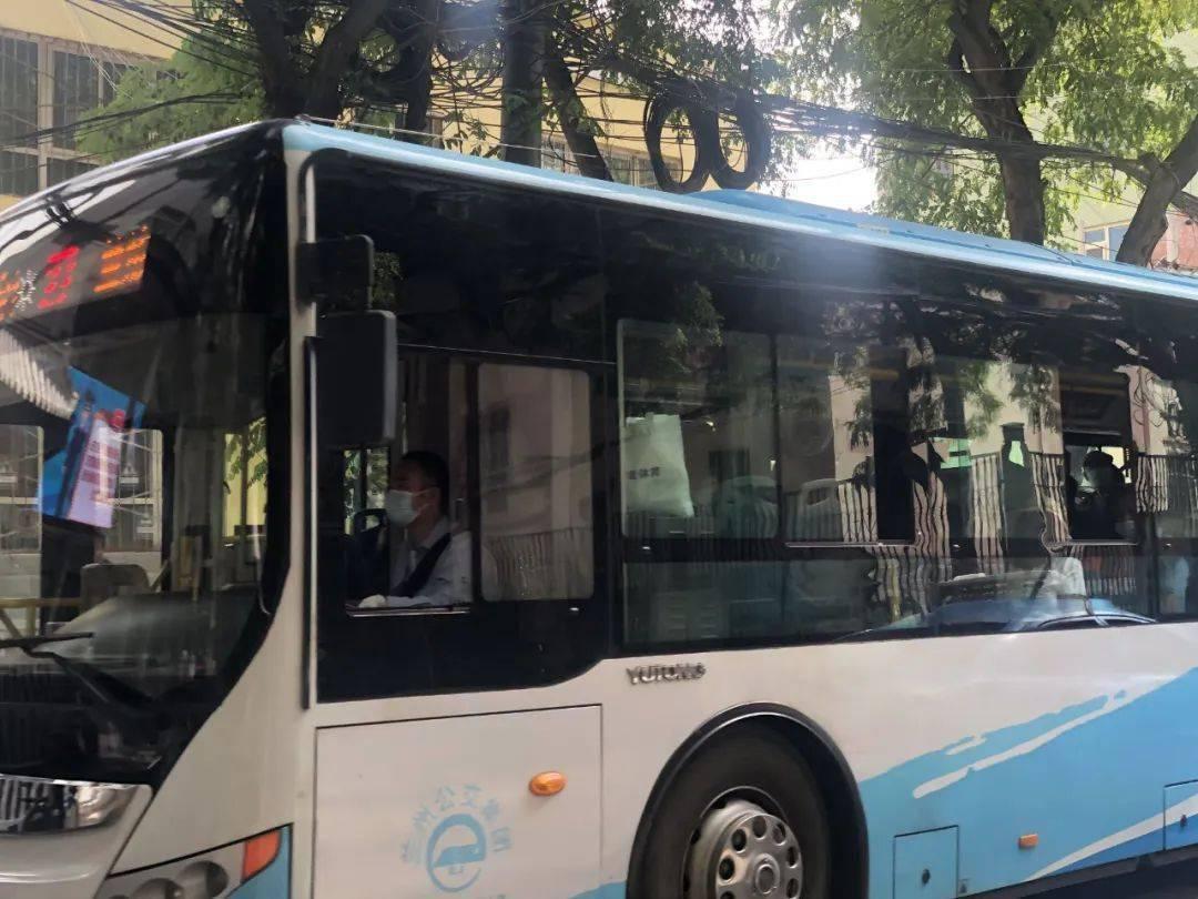 27路51路52路公交增加运营车辆 应对清明节客流 社会新闻 临...