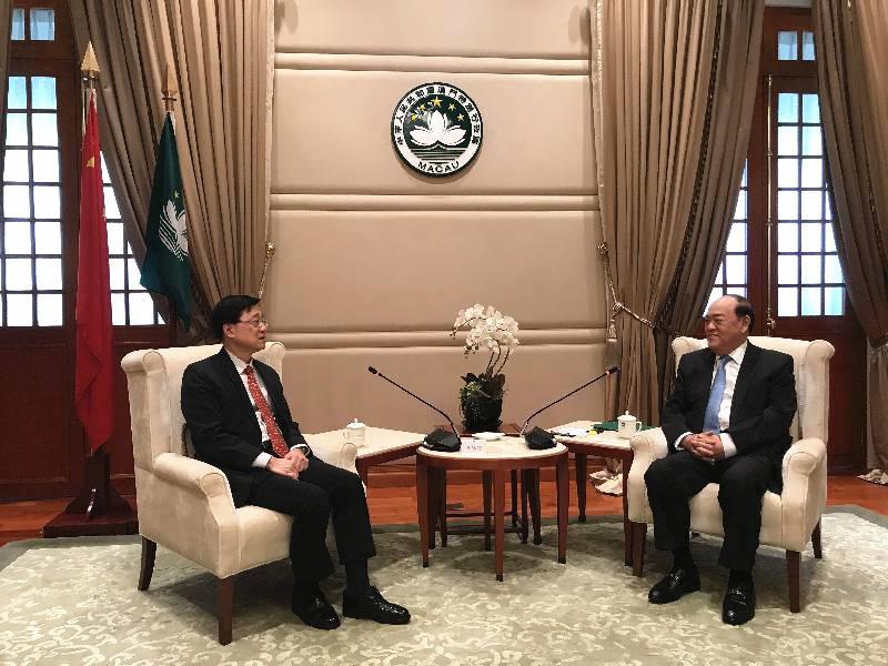 香港保安局局长访问澳门,了解维护国家安全方面的工作及经验