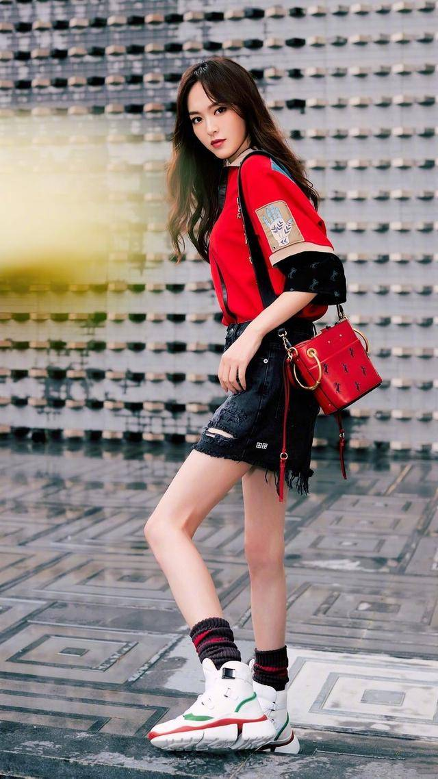 唐嫣的刘海造型,展现成熟与少女感并存的魅力
