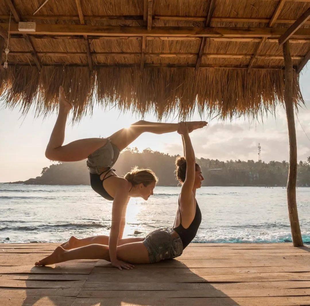 不知道双人瑜伽照怎么拍?收藏这篇文章就够啦! 减肥窍门 第7张