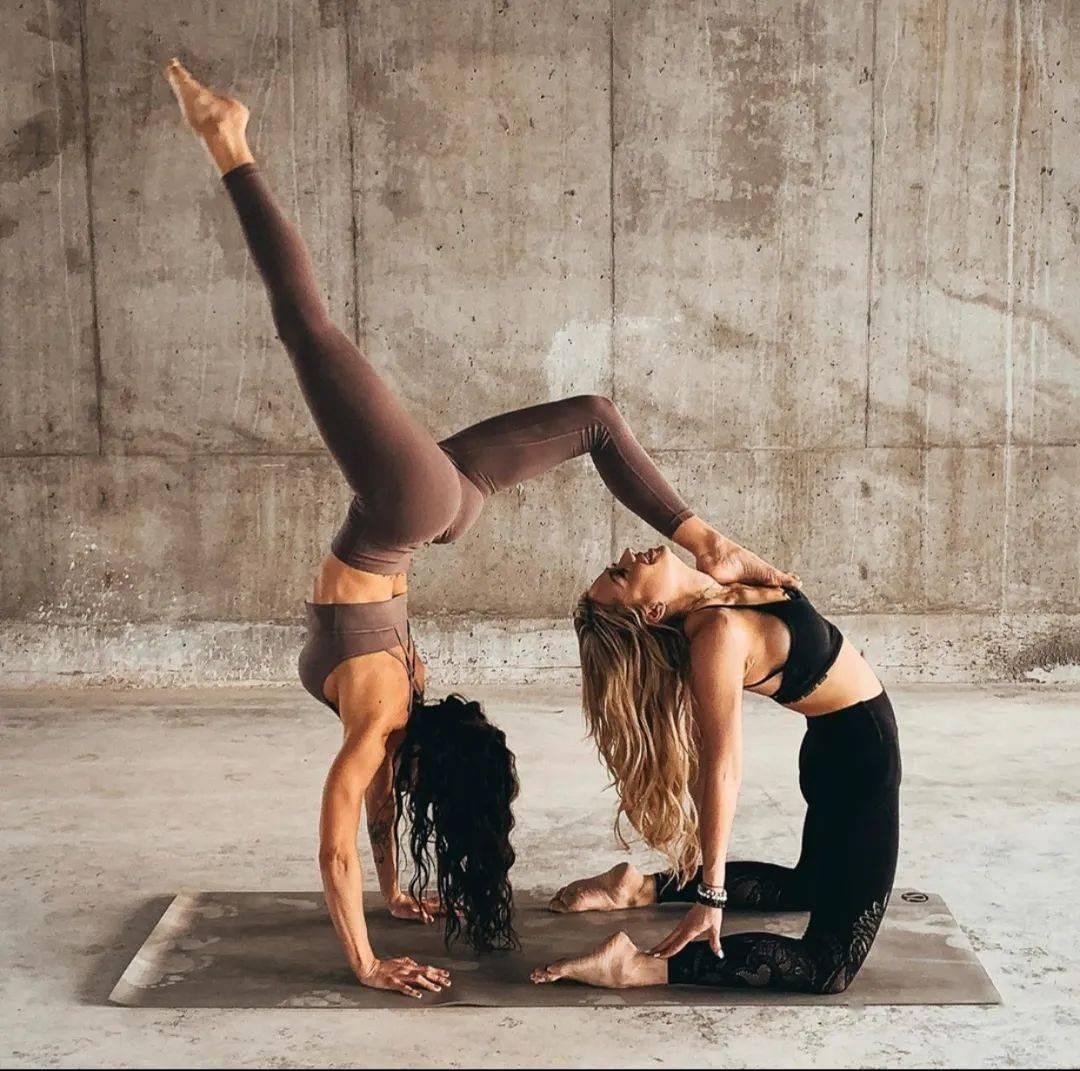 不知道双人瑜伽照怎么拍?收藏这篇文章就够啦! 减肥窍门 第9张