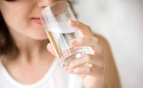 早起第一杯水喝什么?不是淡盐水和蜂蜜水,应该喝的很多人不喜欢 减脂食谱 第1张