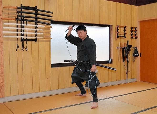 """日本大学首次授予忍者硕士学位,毕业生习得""""全面生存技能"""""""