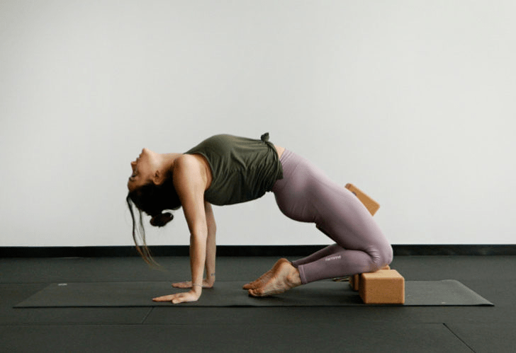 练瑜伽,没感觉?12个常见瑜伽体式,这样练超级有感觉! 减肥窍门 第12张