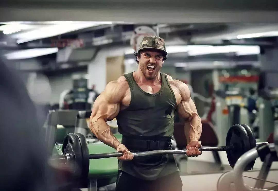 55cm臂围的肌肉硬汉,看了他的奶爸日常,我都想生娃了 初级健身 第6张