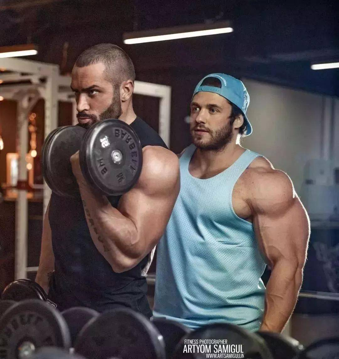 55cm臂围的肌肉硬汉,看了他的奶爸日常,我都想生娃了 初级健身 第7张