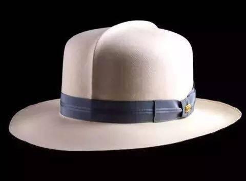 如何制作一顶能卖到70万的帽子?