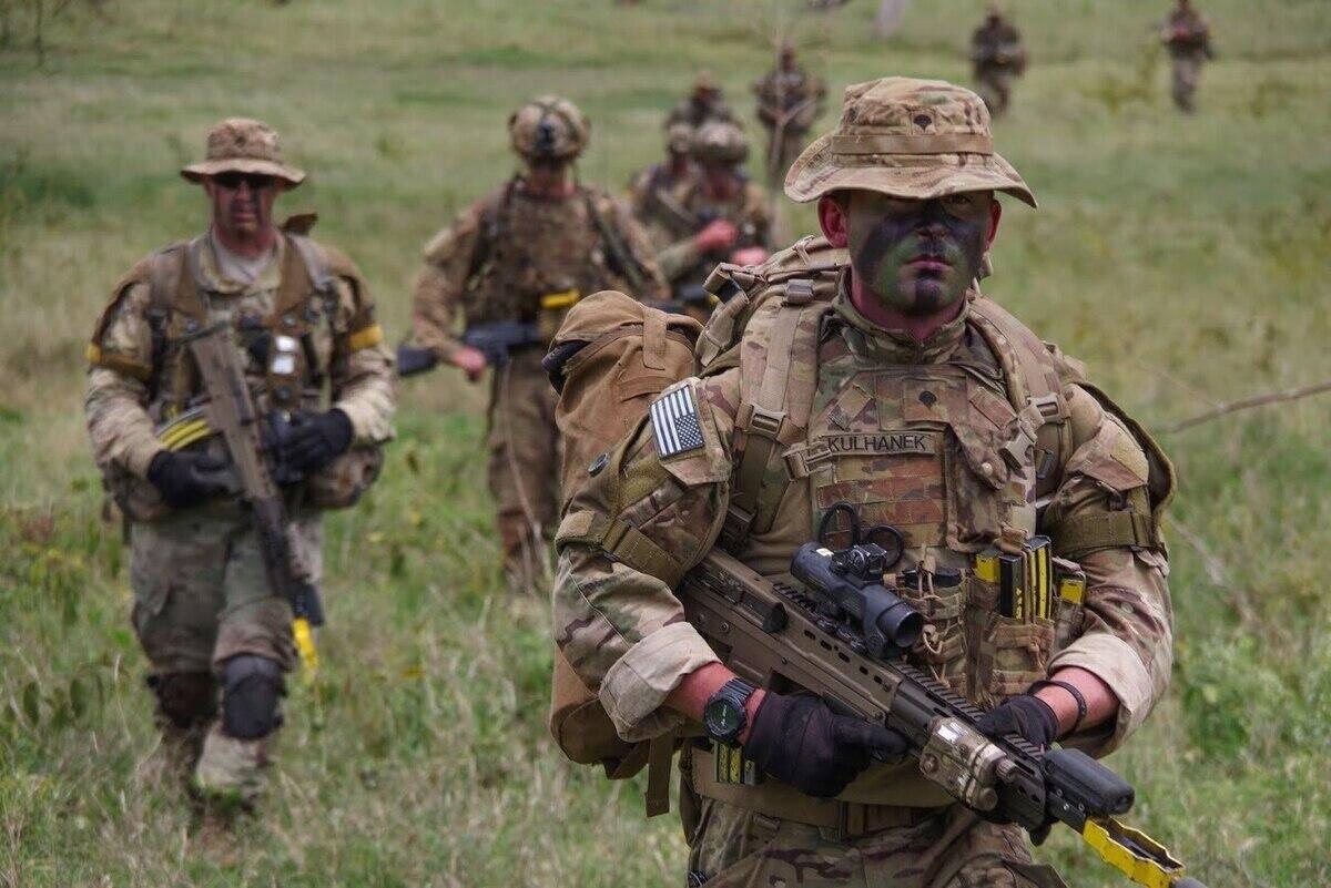 美英两国签协议共同发展军事技术以缩小两国军力差距
