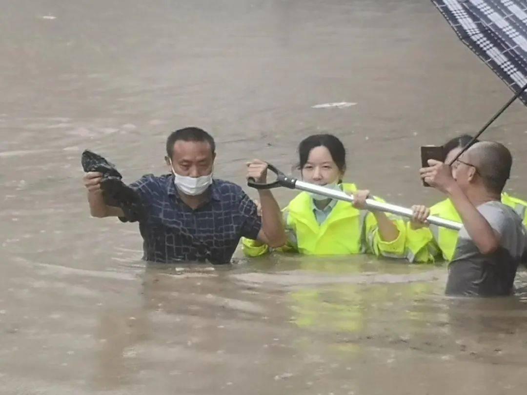 连日遭遇特大暴雨,恩施警方发布紧急通告