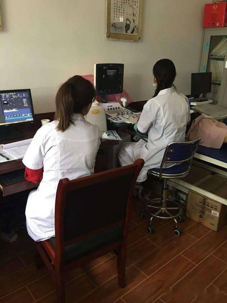 """华亭市妇幼保健院为了全市妇女的健康,建起""""流动医院"""""""