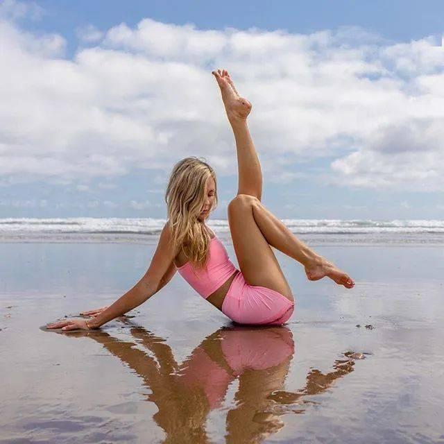 时间不会辜负,每一位坚持瑜伽的姑娘