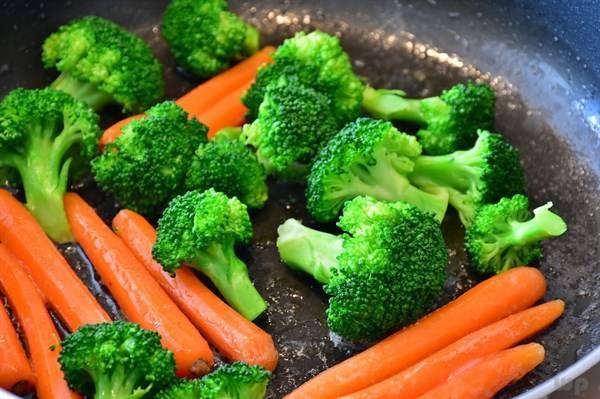 土豆和此物一起炒,每天吃一盘,皮肤细腻,子宫更健康