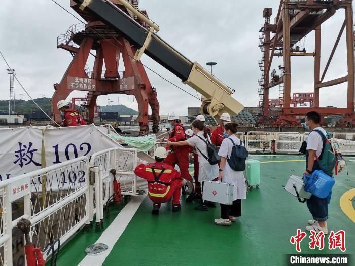 火车逃票广西涠洲岛女游客突患重病 南海