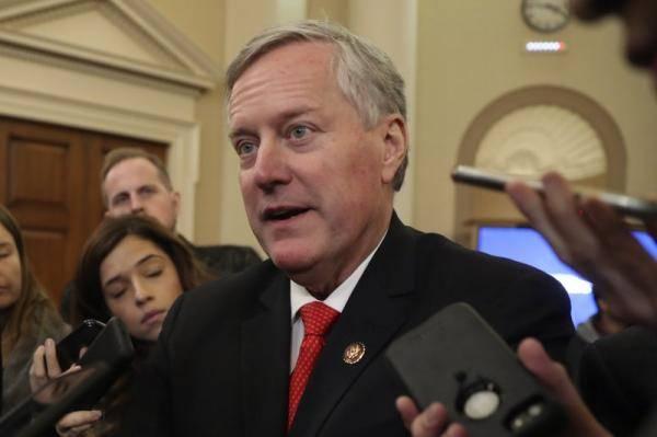 白宮官員11月3日大選 美眾議員故意問福奇一堆可笑問題