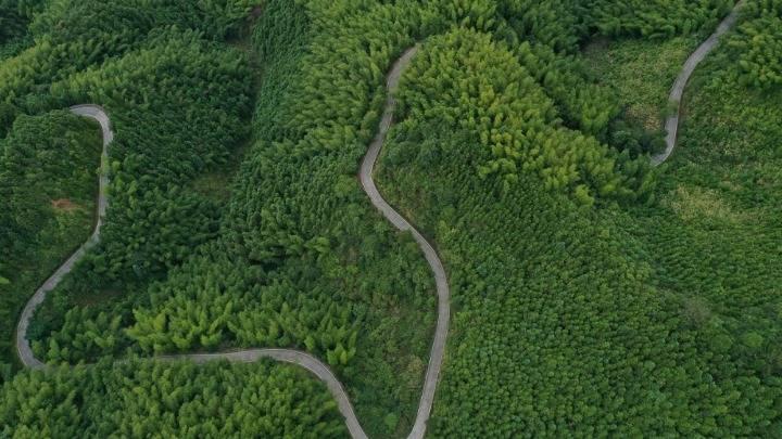 """湖南蓝山:瑶乡公路""""36弯"""""""