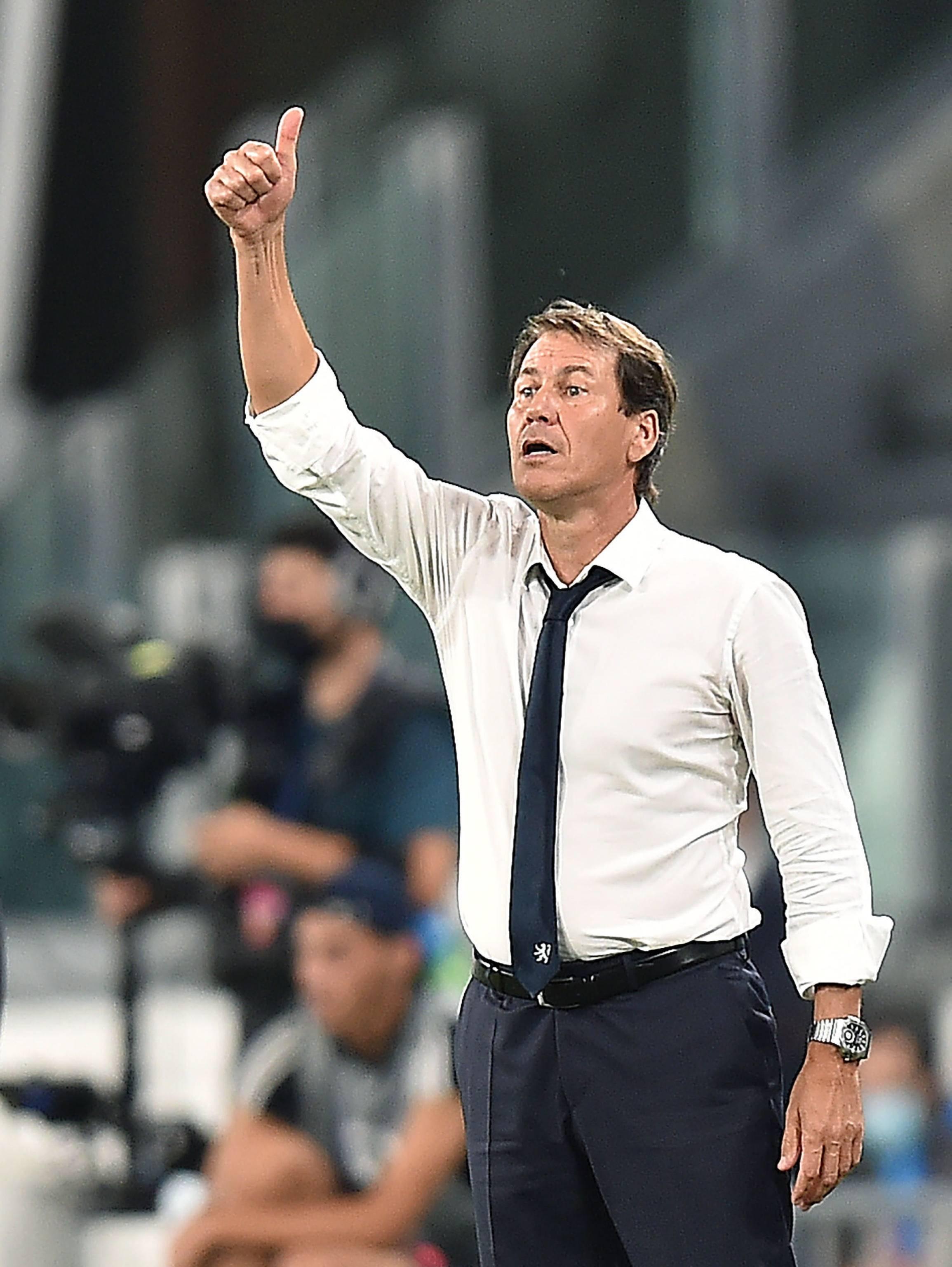 足球——欧冠联赛:里昂晋级八强