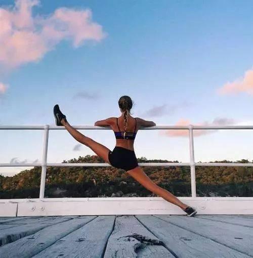 适合女性每天练习的7个瑜伽体式!