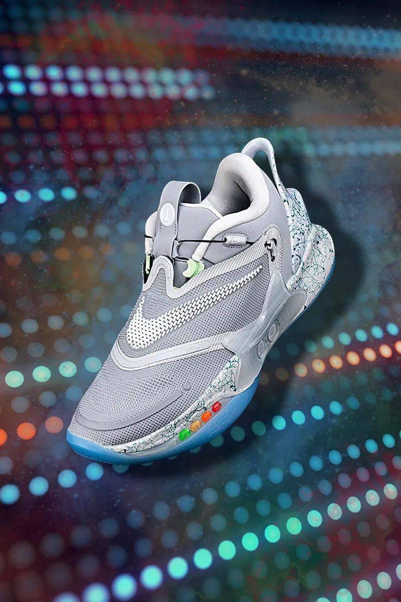 梦寐以求的酷炫功能!Nike 终于把它做出来了!路人全盯着我的鞋!插图(4)