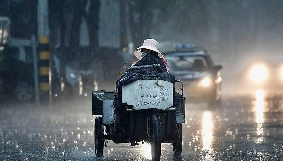 北京明日凌晨2时将迎来最强降雨,交管部门启动最高等级上勤方案