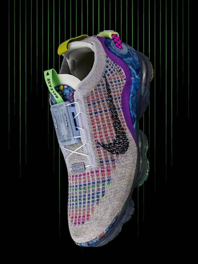 勒布朗送少年「特殊球鞋」,设计师道出真相,让人超感动!插图(15)