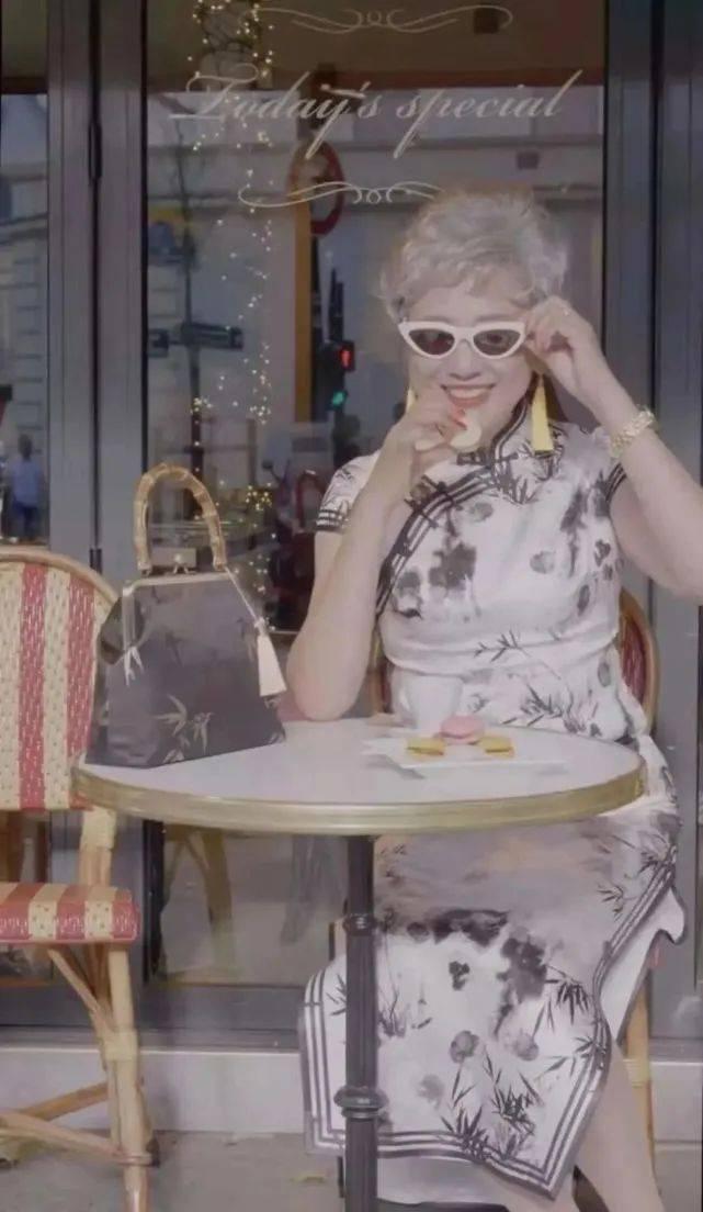 """""""乘风破浪的奶奶""""火了:人均65岁,穿旗袍露美腿游世界插图(3)"""