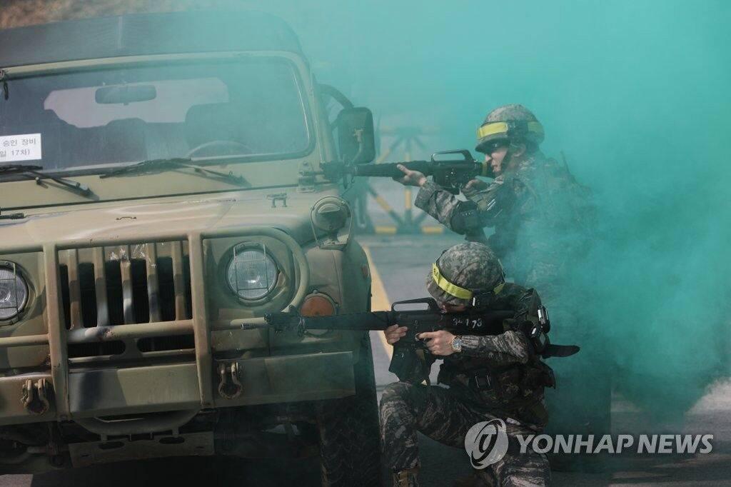 因为新冠肺炎疫情韩国史上首次取消预备军训练
