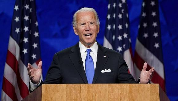 拜登提名演讲承诺带美国走出黑暗,特朗普:他也就说说