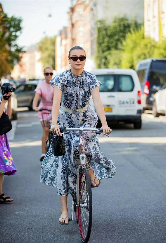 时装周街拍难借鉴?那是你没看北欧女孩的搭配