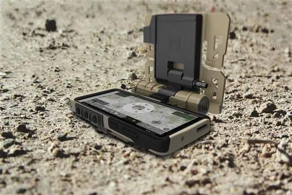 """三星发布美军特供版超硬核""""战斗手机""""!买不到的那种!"""
