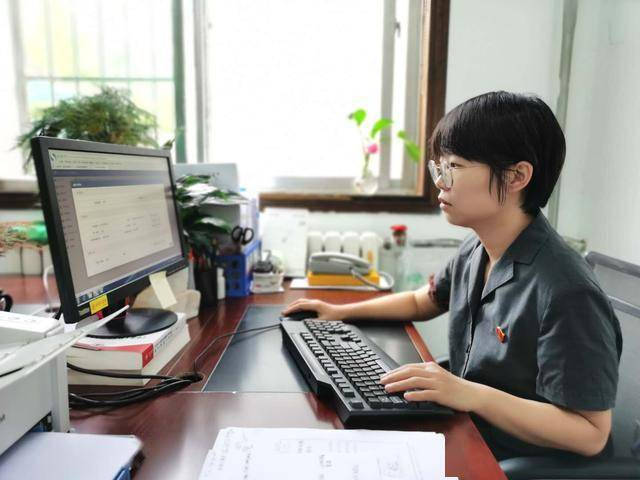 蓝田法院顺利完成人民法院律师服务平台